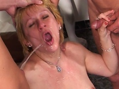 Hot Slut Piss Drinking