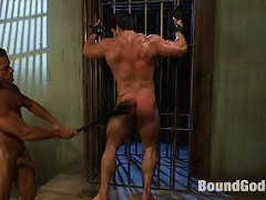 Military officer Tyler Saint ties up and fucks bodybuilder soldier Vince Ferelli