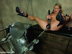 She used to cheer, now she does the splits in chains with a machine driving her pussy while she e