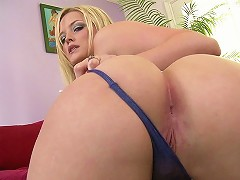 Alexis Texas has got a lonestar state sized ass! Holly Morgan is her favorite helper and with John Strong and Mi