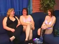 Three BBWs do a hot strip show