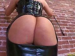 Caroline shows off her huge ass.