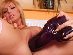 Freya loves drilling big dildos