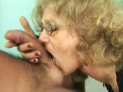 Hail to the unwavering sex prowess of this blonde granny slut and see how she perfectly pampers this long, huge cock on her cock-st