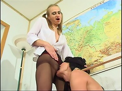 Blindfold chick willingly dipping her warm tongue into the pantyhosed pussy