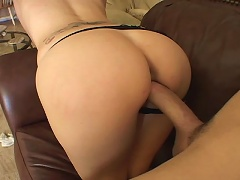 Amazing MILF Enjoys Fucking A Big Fat Cock & Getting Facial