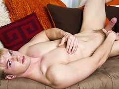 Chaz Coleman has such a hot body with his blond hair, blue eyes and fair skin.  A