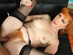 Redhead mothers hairy carpet feels so good to touch & taste