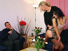 A lingerie salesman meets two girlfriends in the city. He tells them about his new c