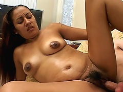 This clip features desi porn star Tina getting some thumping in her pregnant belly. It starts with Tina showing off her h